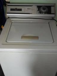 Vendo máquina de lavar roupas modelo antigo