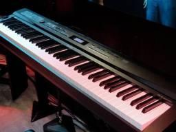 Vendo ou troco Privia Px3 88 teclas recebo celular e outros teclados