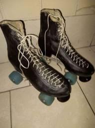 Patins modelo antigo bota de couro