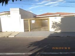Casa com 3 dormitórios para alugar, 211 m² por R$ 1.550,00/mês - Jardim Colina - President
