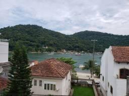 Apartamento para venda possui 400 metros quadrados com 7 quartos em Vila Muriqui - Mangara