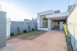 Belissima casa no Jardim Panorama - Asfalto, com bastante sobra de terreno!