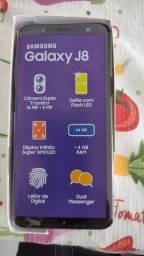 Título do anúncio:  Celular Samsung J8 semi novo