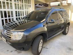 Vendo carro Renault Duster preto