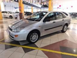 Focus Sedan 2.0 2001, Completo