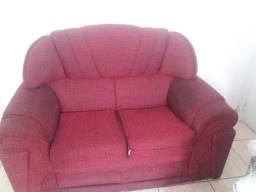 Vendo sofa vermelho apenas 20 reais