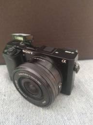Câmera Sony 6000