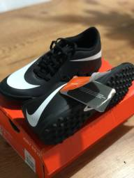 Chuteira Nike society 39