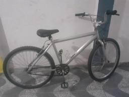 Bicicleta toda em alumínio