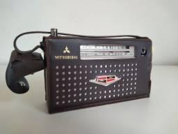 Rádio antigo Mitsubishi
