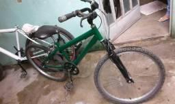Bicicleta aro 24 com velocímetro