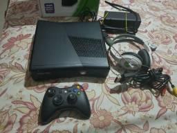 Xbox 360 slim travado com 2jogos comprar usado  Colombo