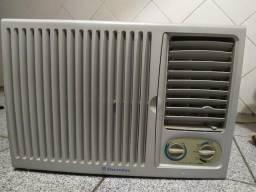 Vendo ar condicionado de 7.500 BTUs Electrolux