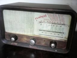Radio a valvulasbpara decoraçao
