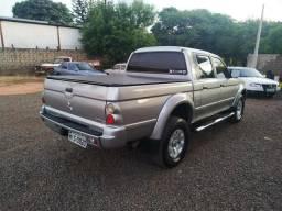 Vendo/troco Caminhonete L200 2005 - 2005