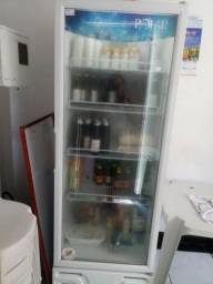 Vende-se geladeira expositora