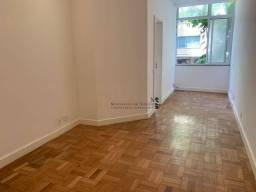 Apartamento com 1 dormitório para alugar, 50 m² por R$ 3.200,00/mês - Ipanema - Rio de Jan