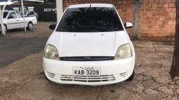 Ford Fiesta 04/05 com ar condicionado - 2004