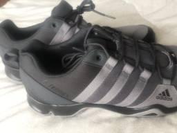 Tênis Adidas Terrex - NOVO - Tamanho 42/43