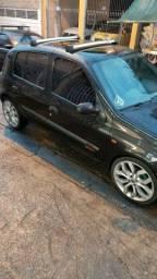 Carro  Renault clio 2006