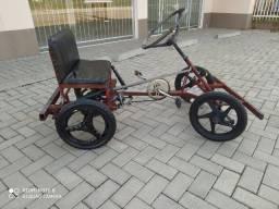 Carrinho de pedalar top tem motor para colocar