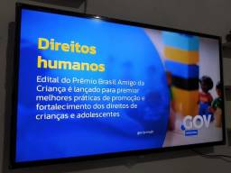 Título do anúncio: TV smart 43 polegadas AOC semi nova
