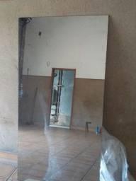 Vidros espelhados (espelho barbearia)+ tampo oval fume de vidro.(mesa) passo cartão