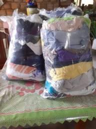 Vendo fardo de roupas para bazar