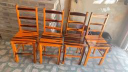 Título do anúncio: Cadeira fixa de madeira!