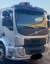 Título do anúncio: Caminhão Volvo VM 330T 8x2 2015