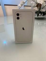"Iphone 11 Apple (64gb) Tela 6,1"" 4g Câmera 12mp IOS"