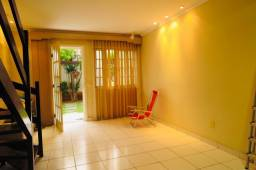 Casa em condomínio Jardim Caiçara