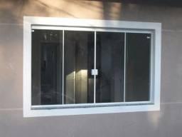 Vendo janela 4 folhas - APENAS OS VIDROS