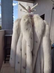 Casaco de pelo de raposa do ártico