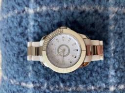 Relógio feminino branco e prata com cristal marca Tommy Hilfiger