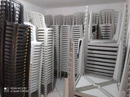 Mesas e cadeiras de plástico de qualidade