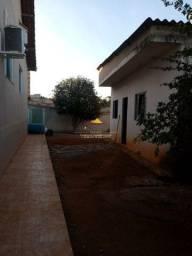 Cod. 305 Casa com cozinha planejada, 3 qrtos sendo 1 deles suíte no bairro Céu Azul em BH