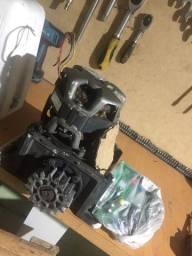 Motor de portão eletrônico completo com defeito