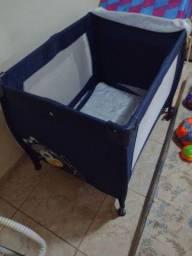 Berço portátil e carrinho de bebê