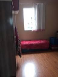 Alugo quarto para moça