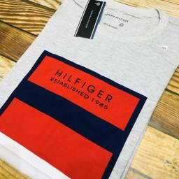 Camiseta Tommy Hilfiger Established Cinza com Vermelho