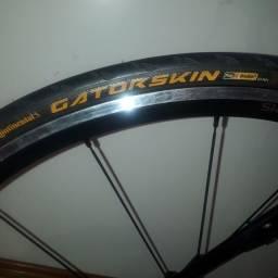 Par pneus Continental Gatorskin 23
