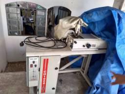 Máquina de chanfrar couro