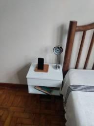 Criado mudo suspenso com gaveta / mesa de cabeceira