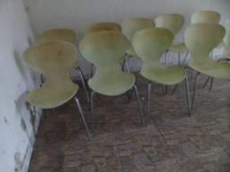 Cadeiras usadas de fibra de vidro