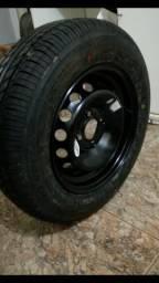 Vendo 1 pneu aro 14 com roda