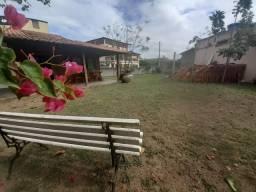 Casa com amplo terreno em Itaipava