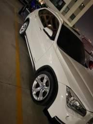 Vendo BMW X1 Turbo - 2014