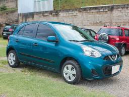 Nissan March S 1.6 *Muito Novo* Super Econômico* 12,1 Km/l na Gasolina - 2015