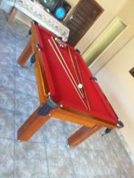 Mesa Tentação 1,93 x 1,18 Cor Imbuia Tecido Vermelho Mod. EMSG6133